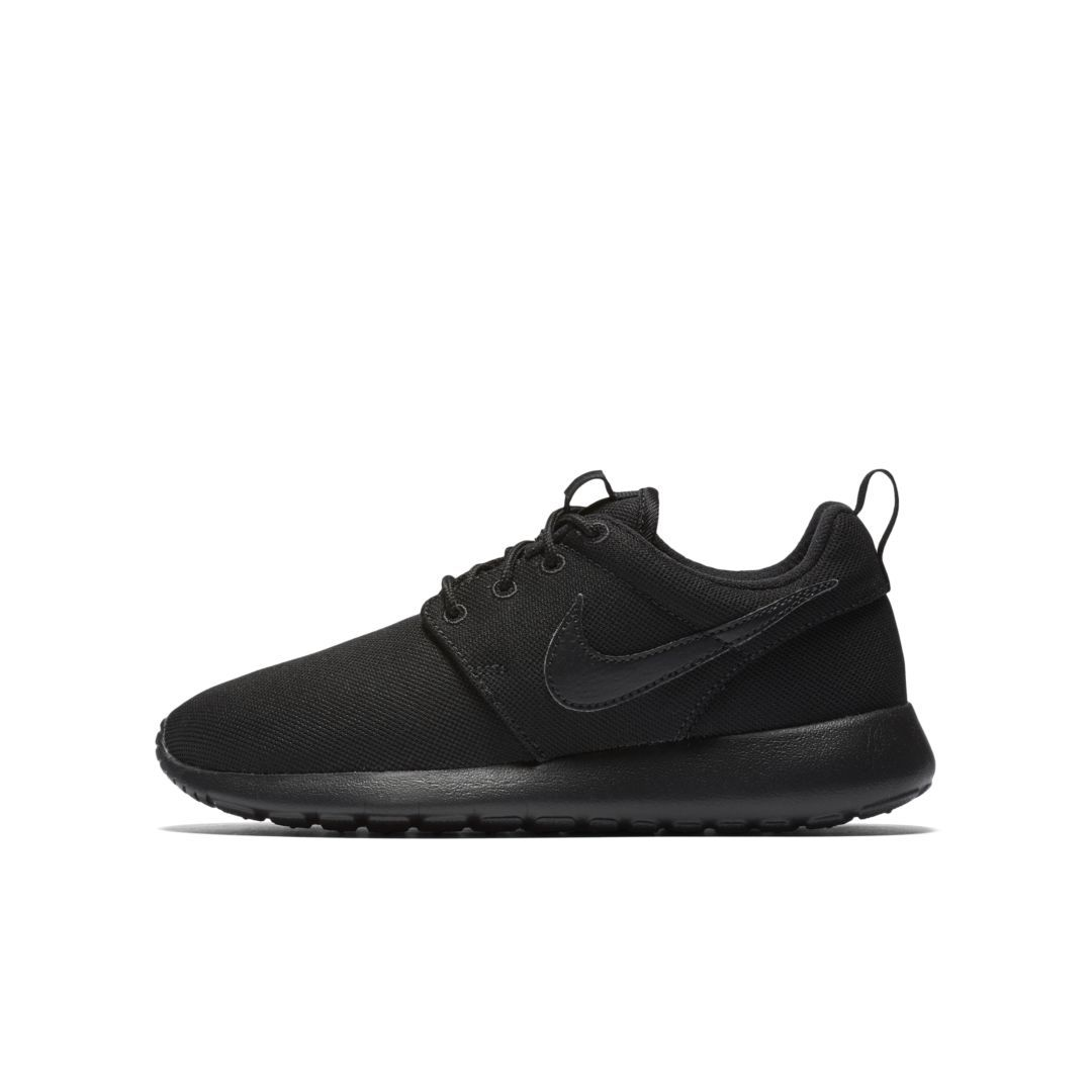 new styles d7327 830b8 Nike Roshe One Big Kids' Shoe Size 4.5Y (Black) | Products ...