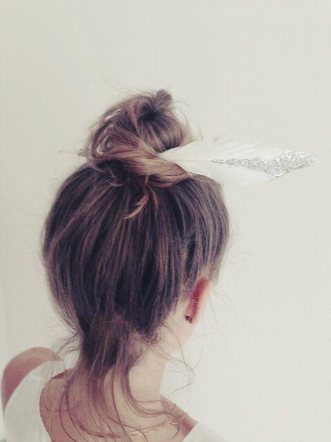 Feather hairdo