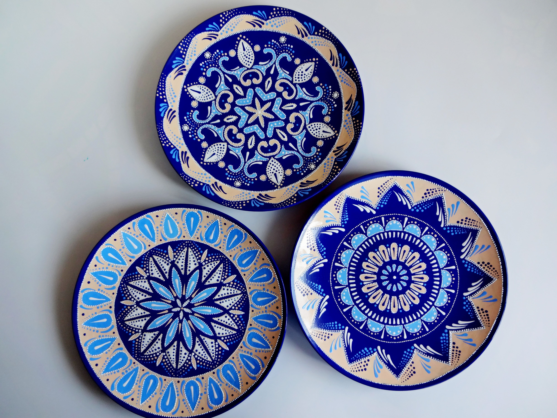 Set Of Decorative Plates For Hanging Large Decorative Hand Painted Plates Mandala Plates Colorful Plates Majolica Plates Ceramic Plates In 2021 Hand Painted Plates Decorative Plates Painted Ceramic Plates