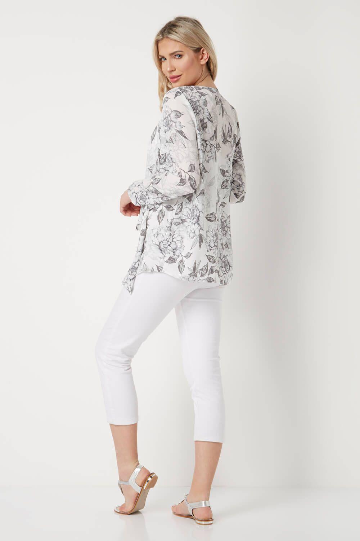 e4a11bad30dc Floral Print Kimono in 2019   Chiffon   Floral prints, Crepe fabric ...