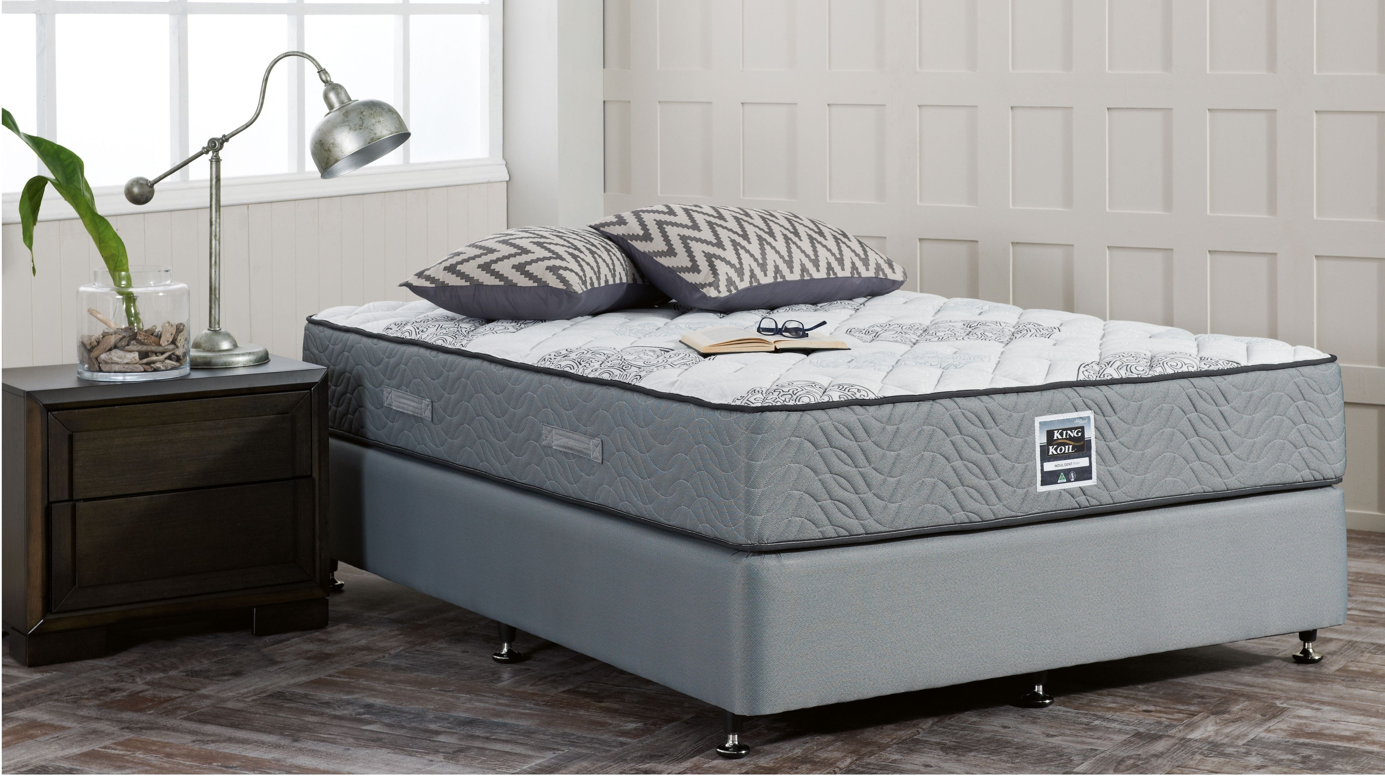 Firm Feel Comfort And Performa Edge Support Technology Combine To Ensure The King Koil Chiro Indulgent Firm Queen Ensemble P Mattress Master Bedroom Home Decor