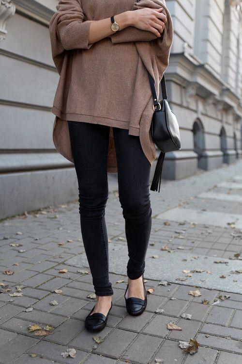 Εικόνα μέσω We Heart It https://weheartit.com/entry/158254306 #autumn #black #fashion #girl #outfit #photography #street #streetstyle #style #tumblr #woman #keepitsimple