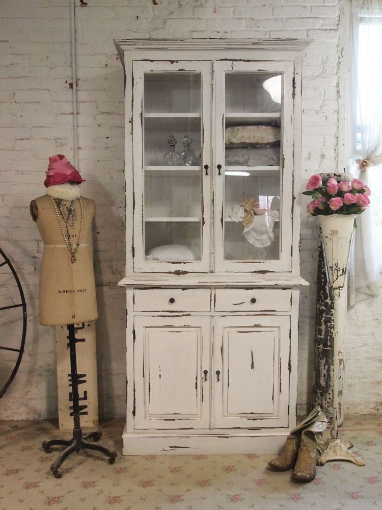 Farmhouse cabinet use bottom of singer sewing stand and for Ameublement shabby chic