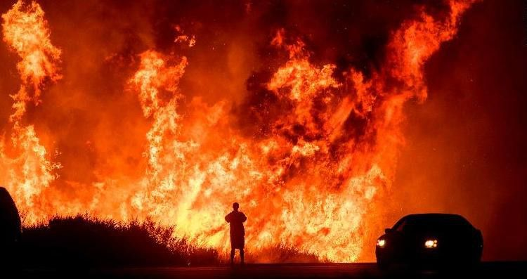 California Fires Two People Burned In New Blaze Cnn California Wildfires Fire Los Angeles Homes