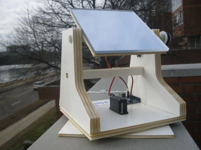 Using The Arduino Uno To Track The Sun For Optimum Solar Energy