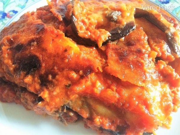 Keďže nám udrela zima, ponúkam inšpiráciu na toto veľmi chutné a kalorické jedlo avšak vhodné aj pre vegetariánov. Je veľmi obľúbené hlavne v domácej talianskej kuchyni, lebo jeho príprava je náročnejšia na čas, preto ho často v reštauráciách neuvidíte. Taliani sa naň vždy tešia ako malé deti na odmenu, lebo vedia, že je to prplačka :). Pôvod tohto jedla je nejasný, ale jednoznačne pochádza z juhu, predpokladá sa, že zo Sicílie. Môžete ho servírovať ako predjedlo alebo hlavný chod.