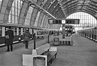 Train Station Alexanderplatz Bahnhof S Bahn Hauptstadt Der Ddr