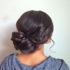 Beautiful bun/updo [photo source: @hairandmakeupbysteph insta]