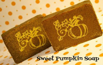 I'd Lather Be Soaping: Sweet Pumpkin Soap (With Pumpkin Puree and Goat's Milk)