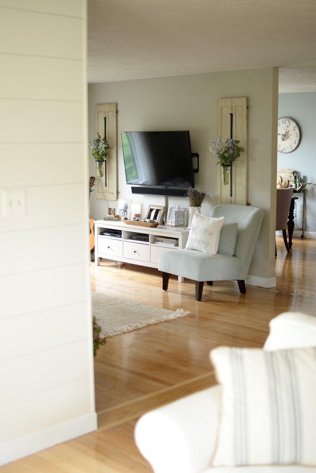 Farmhouse Living Room Setup How To Decorate Around A Flatscreen Tv