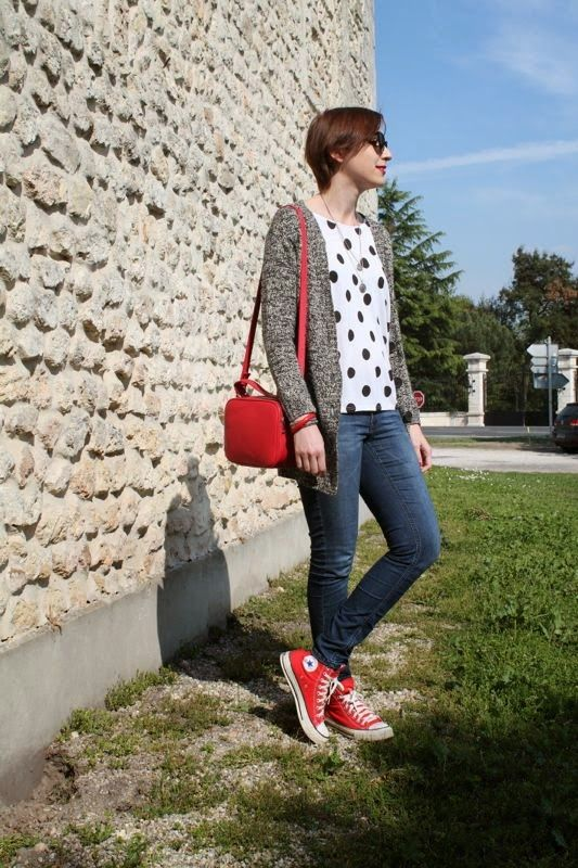 converse rouge style