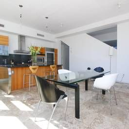 Don T Miss Out On This Unique Living Work Invest And Event Space In The Heart Of Miami S Cultural District Cd3 Commercial Zoni Beach Modern Home Decor Home