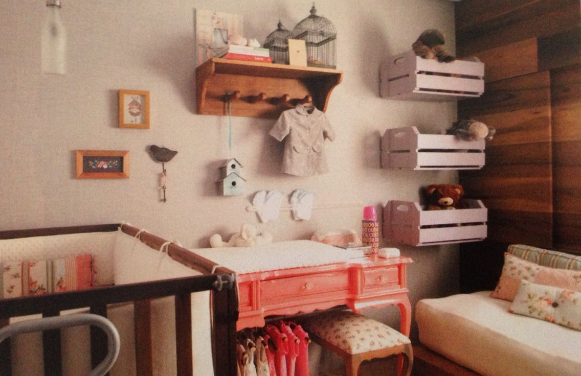 20 Ideias Para Usar Caixotes Na Decora O Do Quarto Das Crian As  ~ Quarto Juvenil Menina Com Caixote De Feira Quarto