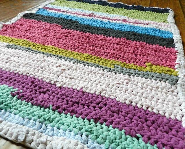 Grow Creative: Crochet T-Shirt Rug Pattern   CrAfTy 2 ThE CoRe~DIY ...