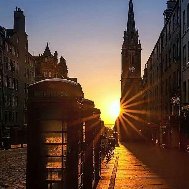 Sunrise over the Royal Mile #Edinburgh