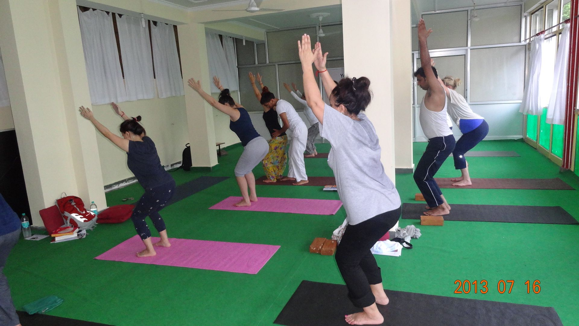 200 hour yoga teacher training in india rishikesh yog