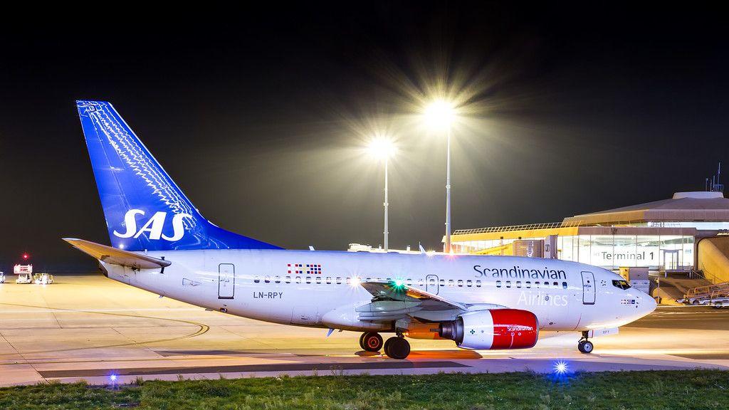Sas Scandinavian Airlines Boeing 737 600 Boeing 737 600 Scandinavian Airlines System Boeing 737