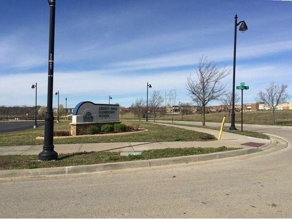 Liberty Oaks Elementary School Liberty School District Kansas City Real Estate Elementary Schools School District