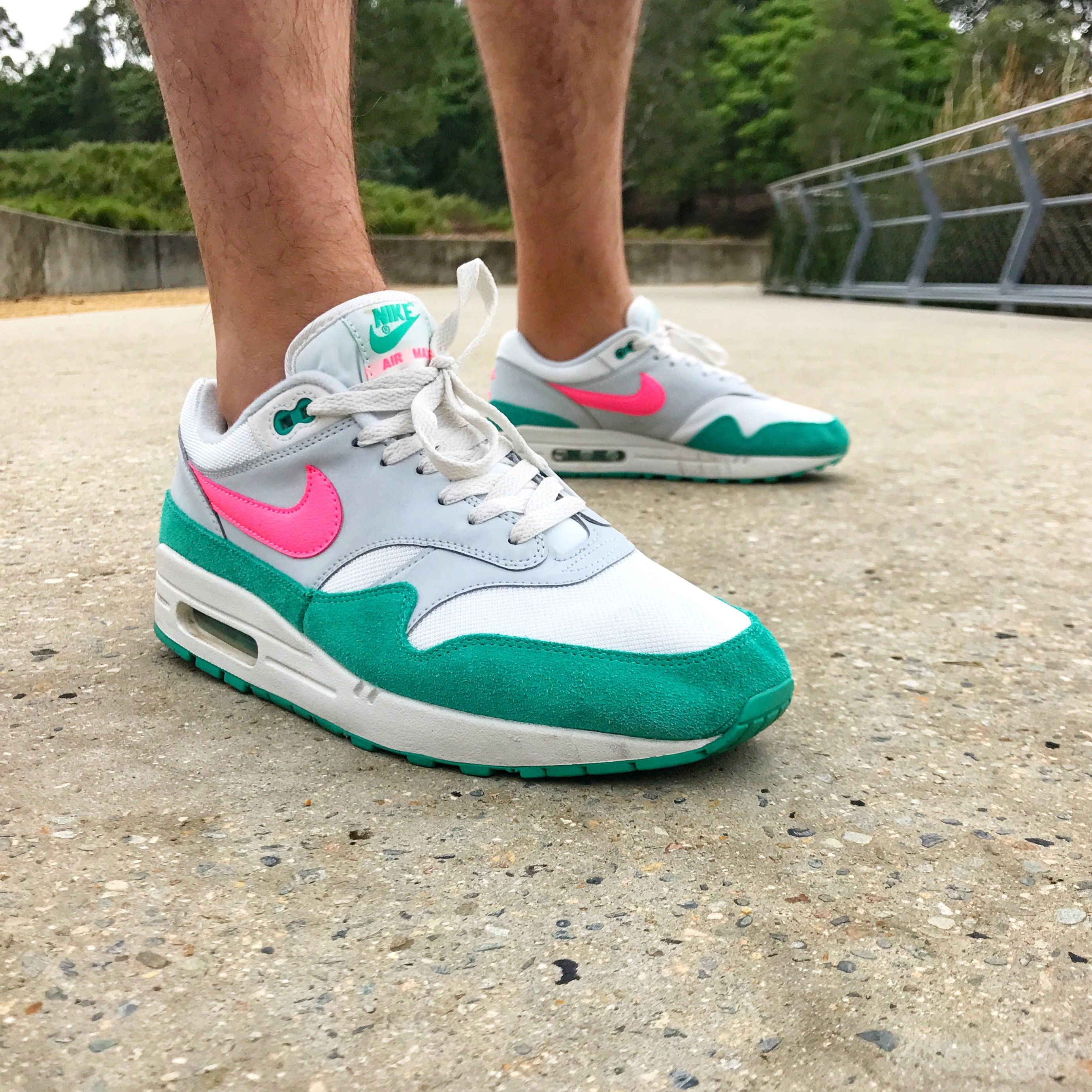 air max 1 green on feet