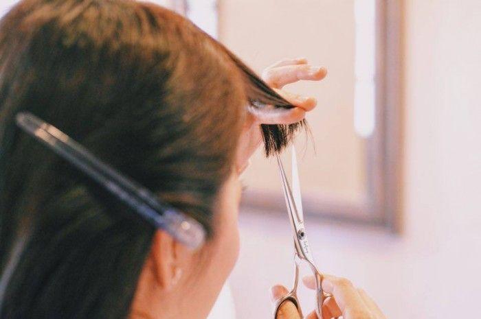 プロが伝授! 前髪を上手に切る6つのポイント #おうちがヘアサロン | roomie(ルーミー)