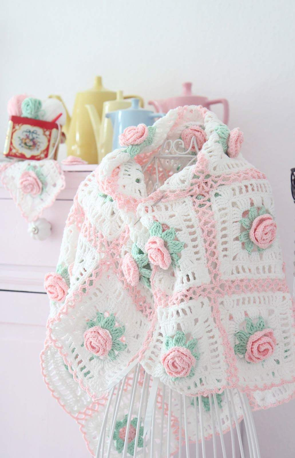 Facebook, rose crochet squares blanket. | crochet | Pinterest | Bebe