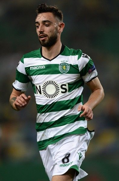 Bruno Fernandes of Sporting Lisbon in action during the UEFA Europa League Round of 16 first leg match between Sporting Lisbon and Viktoria Plzen at Estadio Jose Alvalade on March 8, 2018 in Lisbon, Portugal.