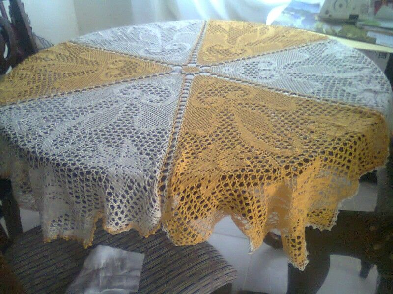 Six sided Daffodil Cloth in golden rod and cream