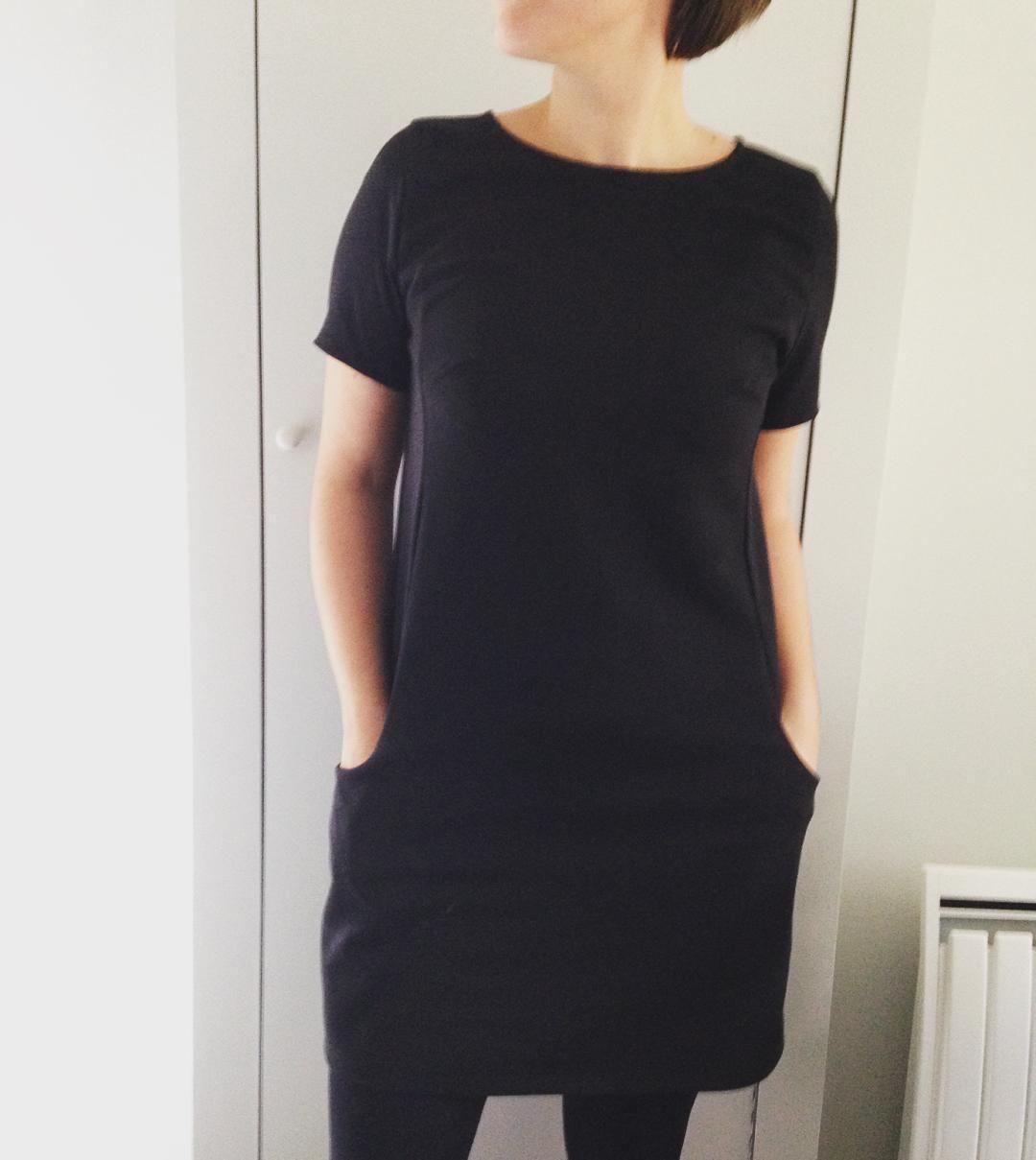 Vue et adorée en noire chez @clio_lyon... Un vrai doudou cette robe xéréa dress#mapetiterobenoire #gabardine #mondialtissus