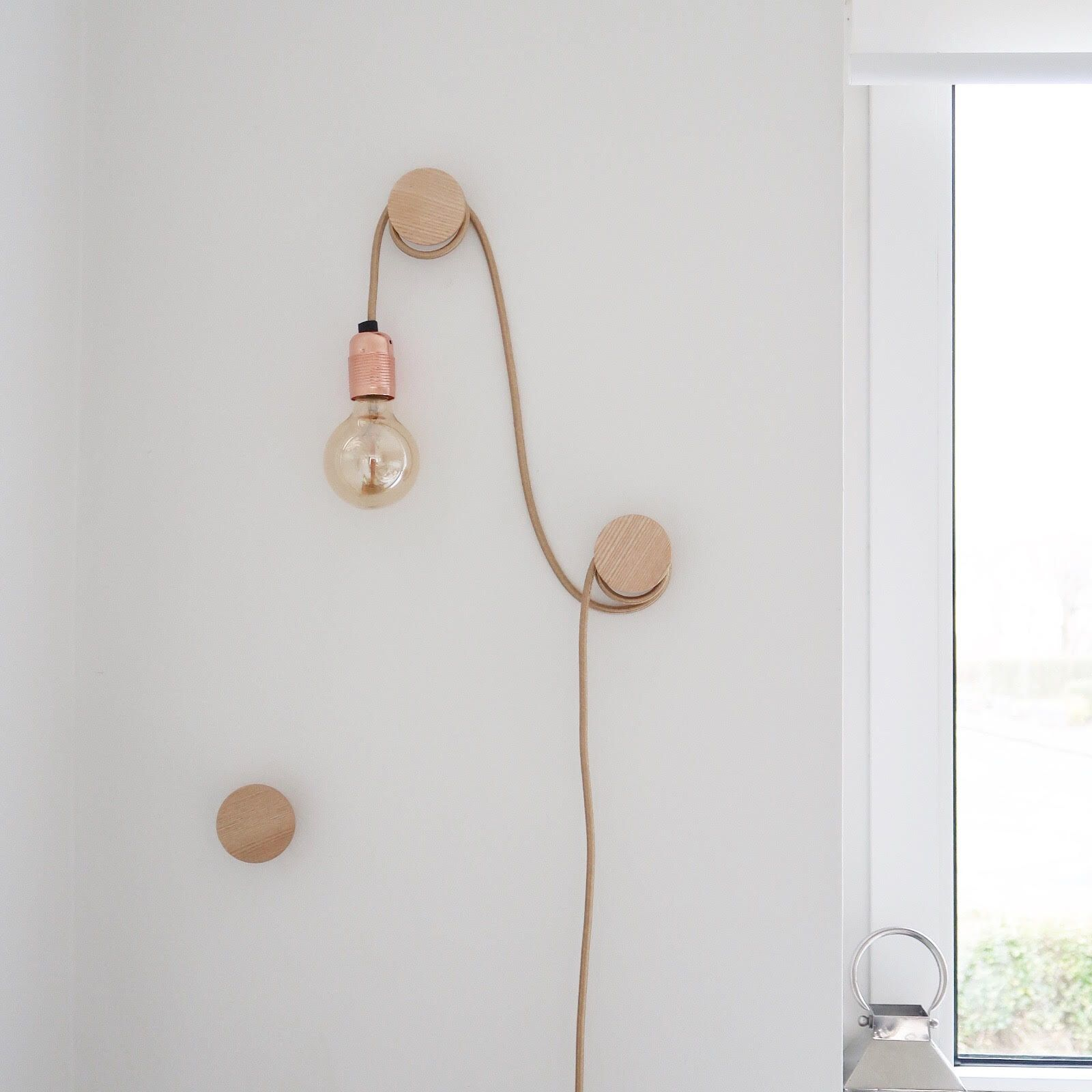 Wall Hanging Lights: Hanging Bare Bulb Feature Light Rope Light On Wooden Wall