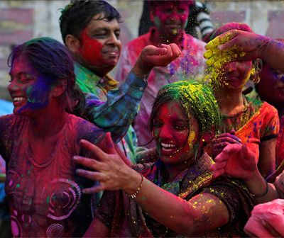 Bodies To Clothe India Holi Festival De Colores