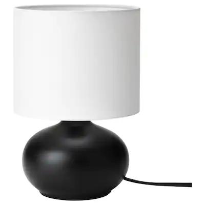 Tvarfot Lampe De Table Noir Blanc Ikea En 2020 Table Noire Lampes Noires Lampes De Table De Chevet