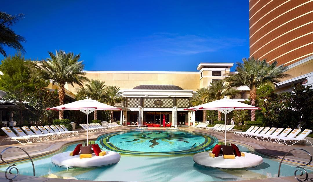10 Best Pools In Vegas For Fun And Relaxation Best Hotels In Vegas Best Pools In Vegas Las Vegas Pool