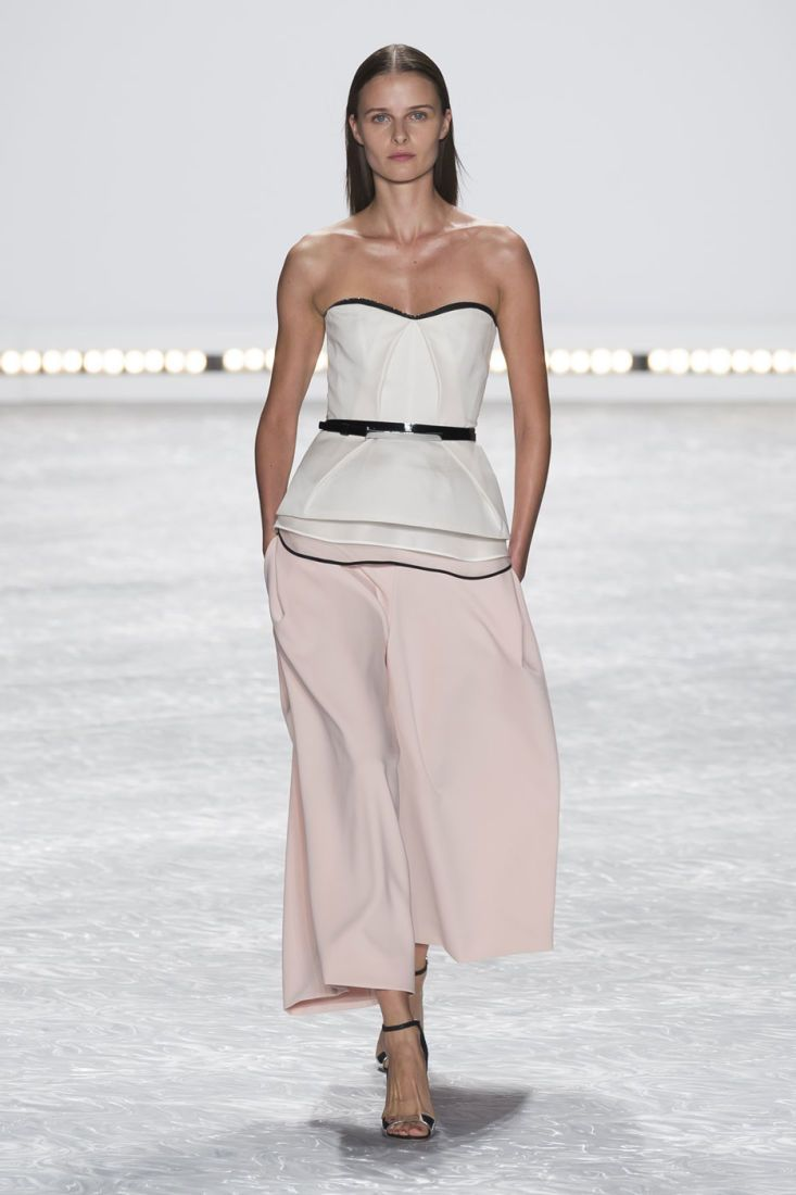 Monique Lhuillier Spring 2015. #womens #nyfw #fashion #style