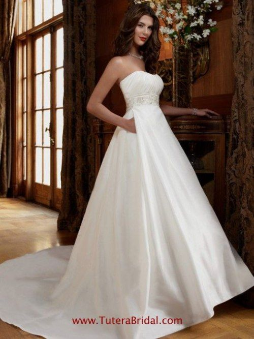 Casablanca style  2007 gown with  pintuckedbustline with natural waist  detail. This sample 884caf0ee8f