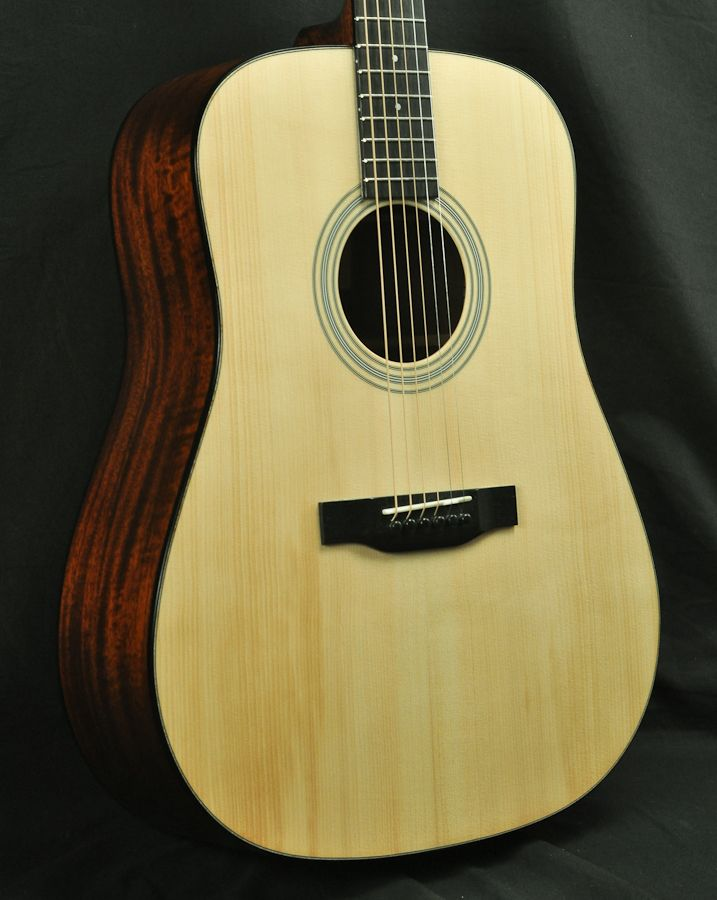 Eastman Demo E10d Addy Mahogany Acoustic Guitar Lyric Acoustic Guitar Guitar Acoustic