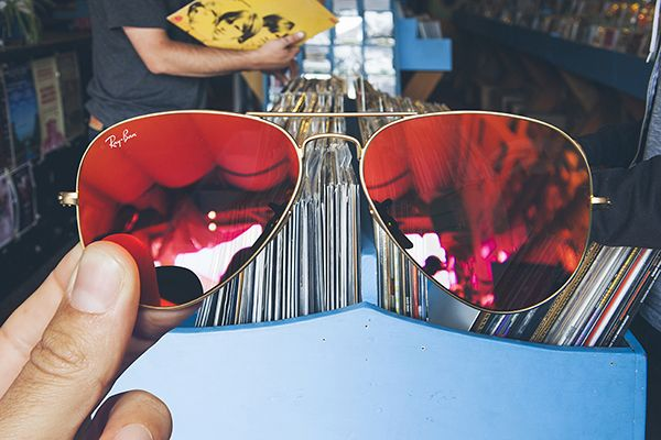 Ray Bans - A look through the lens. Great styling and branding concept by creative studio EMMA DIME.
