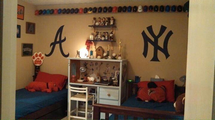 Mini Helmets Bobbleheads Desk Baseball Atlanta Braves Yankess Boys Room Boys Bedroom Decor Home Decor Boy Room Boys Bedrooms