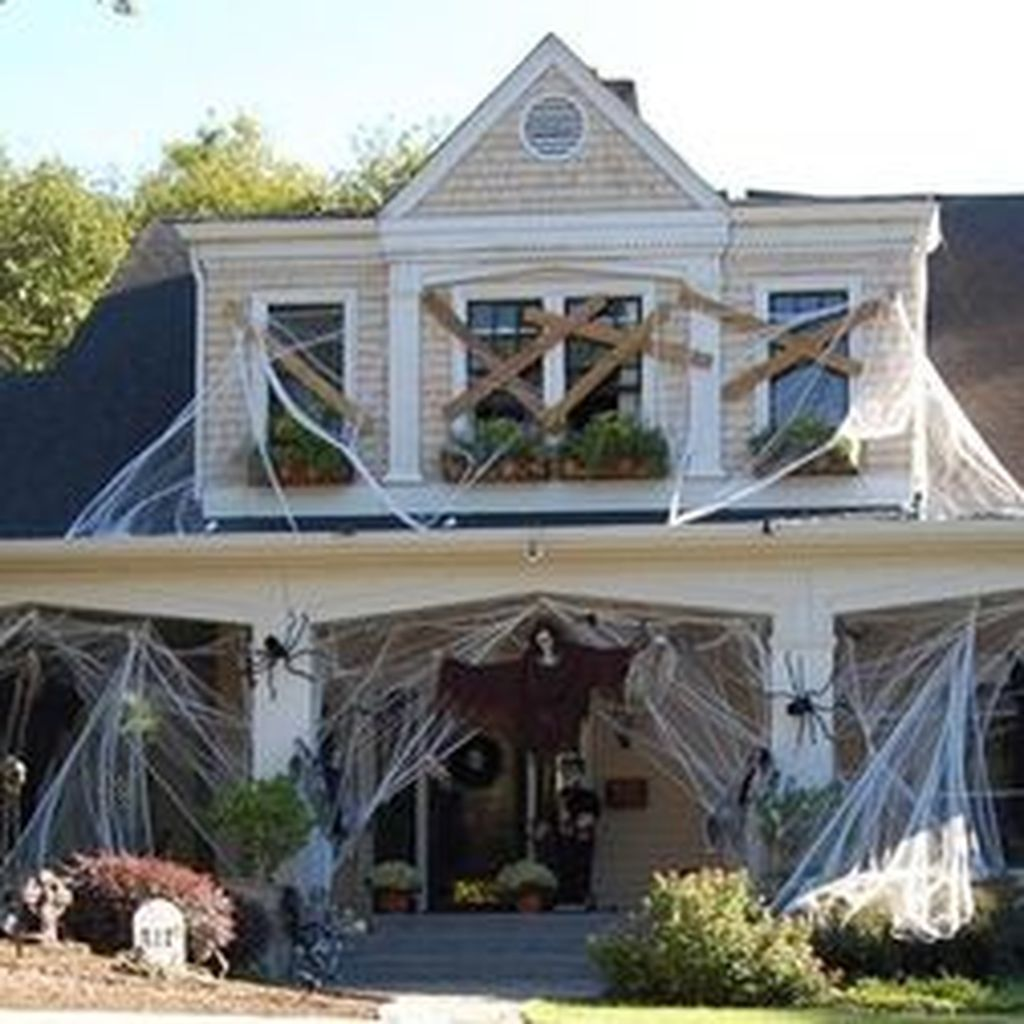 88 Scary but Creative DIY Halloween Outdoor Decorations Ideas You - Halloween House Decorating Ideas Outside