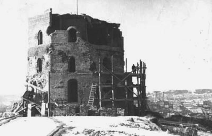 Vilnius castle tower after war, Restoration process 1948 Vilnius
