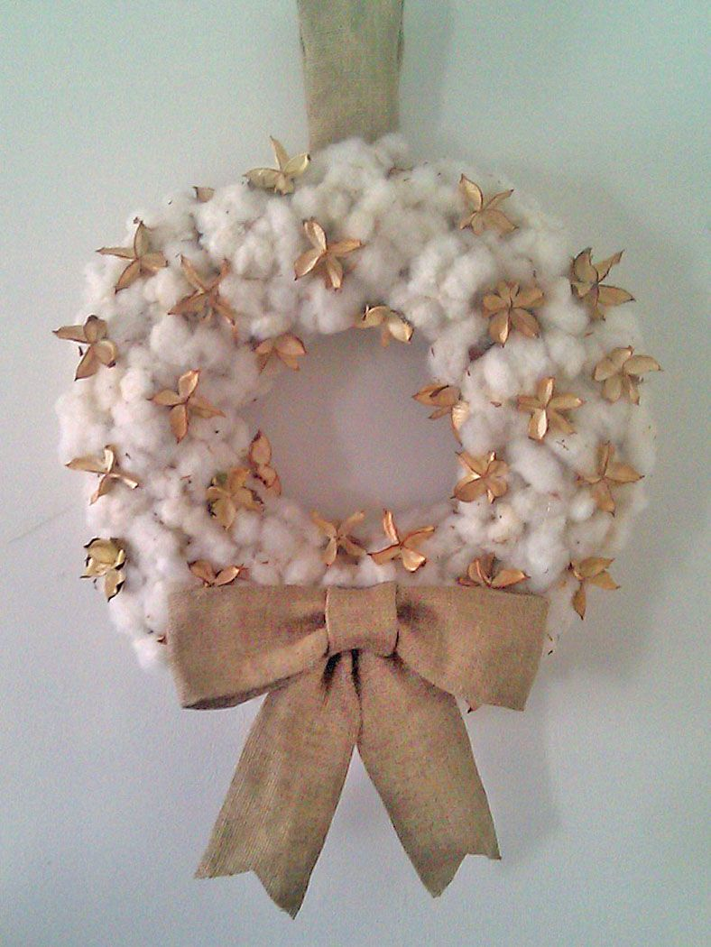 Using Burlap Ribbon To Make A Wreath - Raw cotton boll wreath with burlap bow