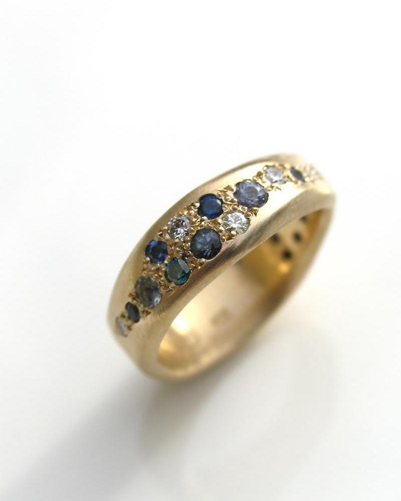 Contemporary AustralianNew Zealand jewellery designercustom made