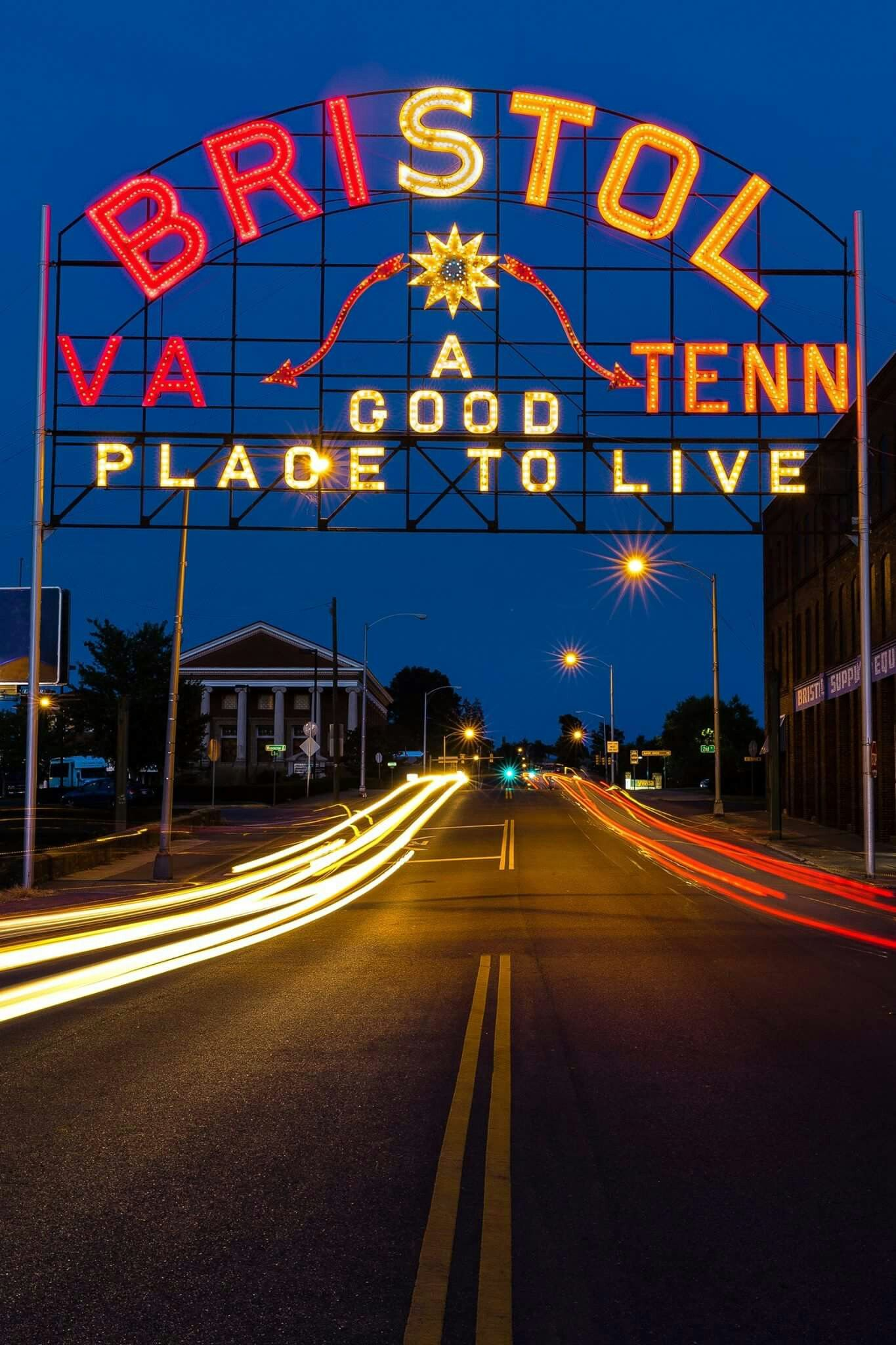 Bristol Tennessee / Virginia sign lit up for the Tennessee