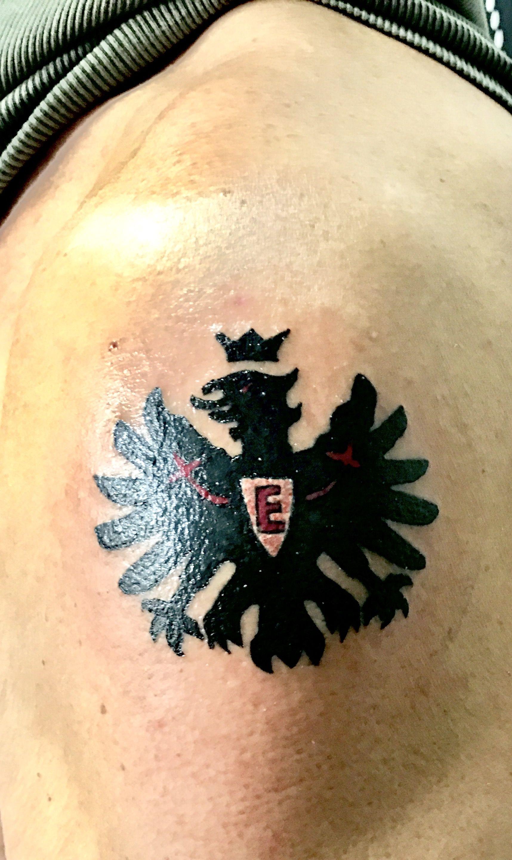 Eintracht Frankfurt Spieler Tattoo