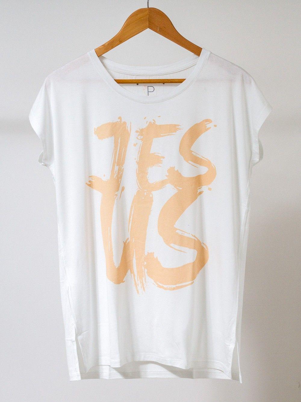 ae2d99ad1 Camiseta gospel feminina - Jesus