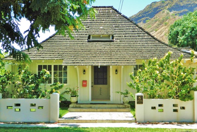 Oahu Real Estate By Home Shoppe Hawaii Hawaii Homes Architecture Home History