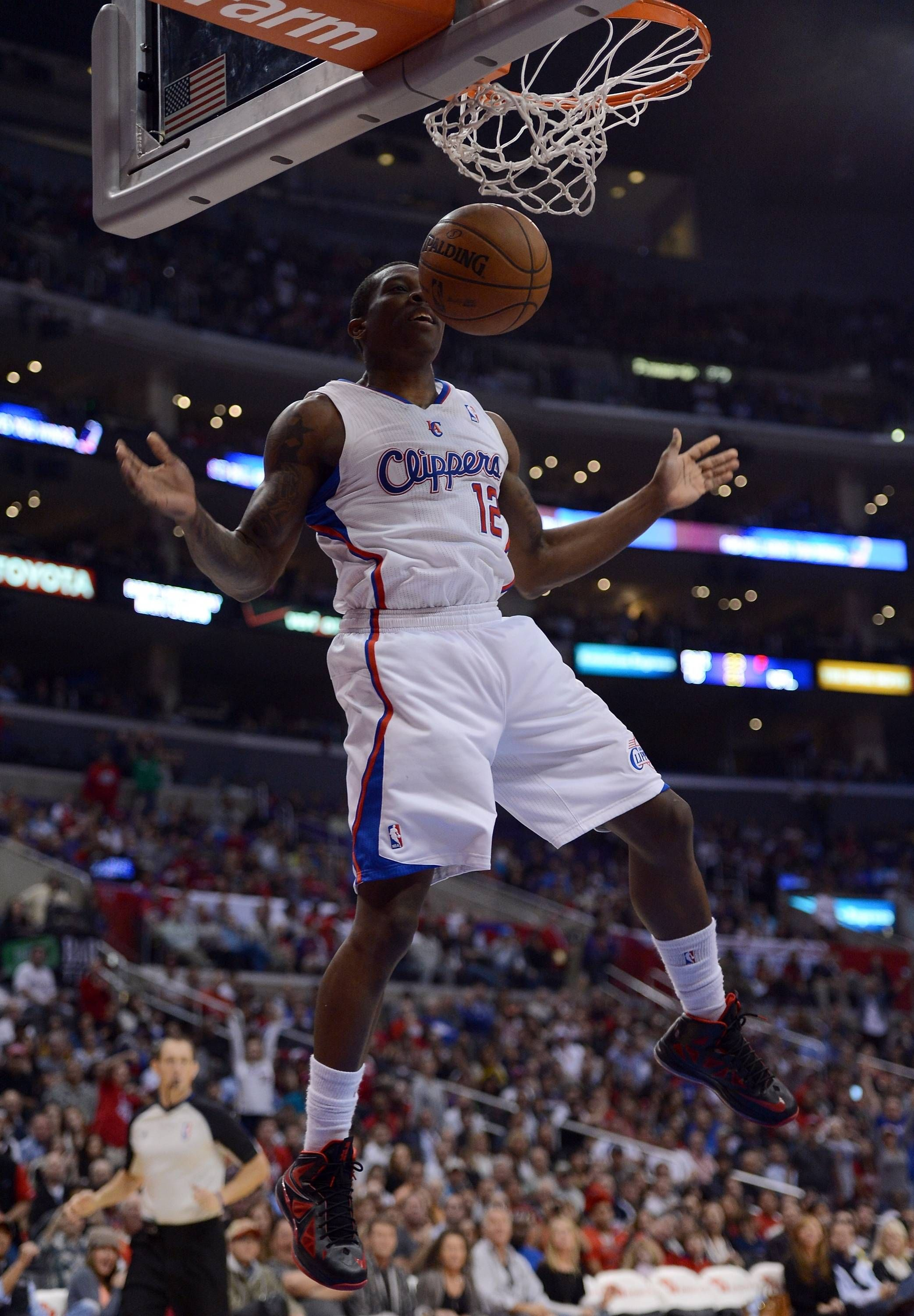 LOS ANGELES, CA DECEMBER 09 Eric Bledsoe 12 of the Los