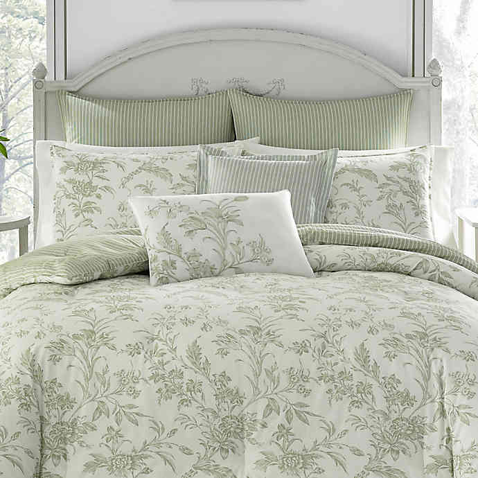 Natalie 3 Piece Reversible Duvet Cover Set In Sage Bed Bath Beyond Sage Green Bedroom Green And White Bedroom Green Bedroom Decor