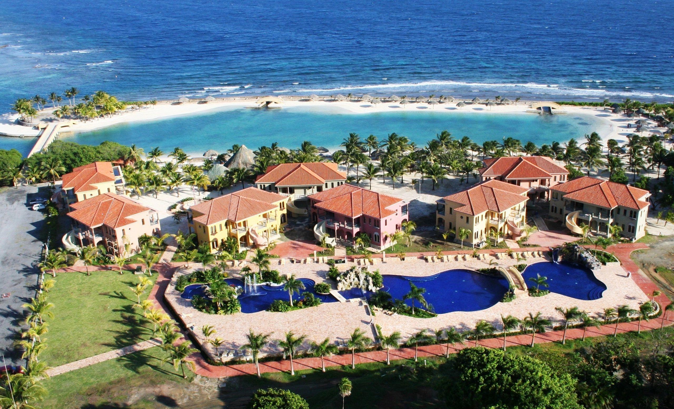 Parrot Tree Plantation Beach Resort Roatan Honduras