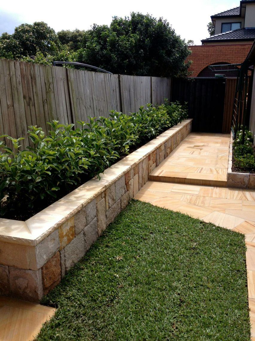 Sandstone Retaining Wall Landscaping Retaining Walls 400 x 300
