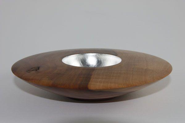 Schale: Apfel, 19,5 x 4 cm, Einlassungen: Blattsilber / Preis: 300,00 €
